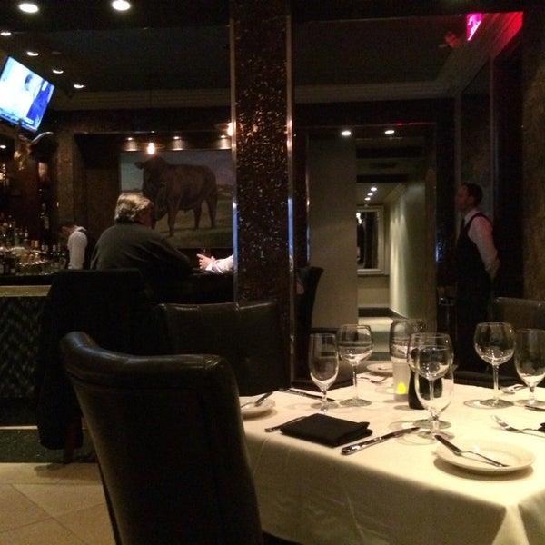 3/18/2014에 Yozo H.님이 Angus Club Steakhouse에서 찍은 사진
