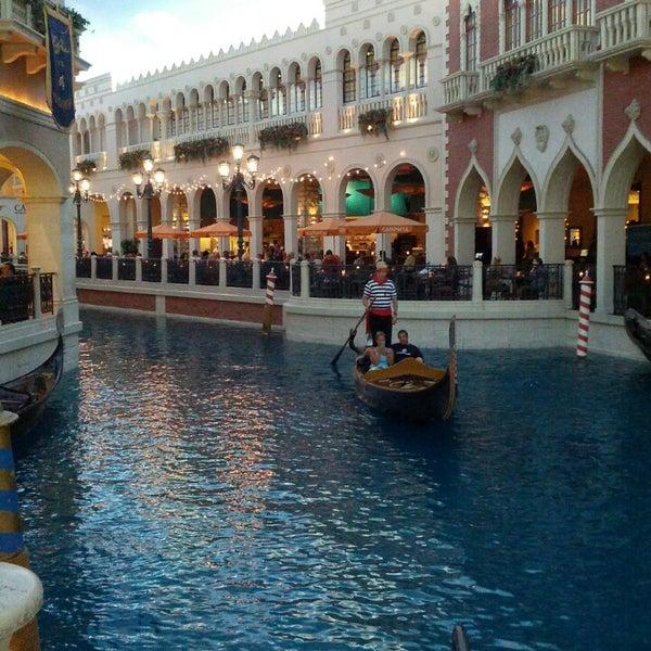 Foto tirada no(a) Venetian Resort & Casino por Adrian I. em 7/26/2013