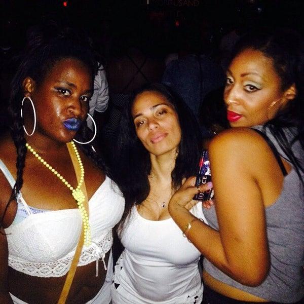 8/22/2015에 Destiny D.님이 Chloe Discotheque에서 찍은 사진