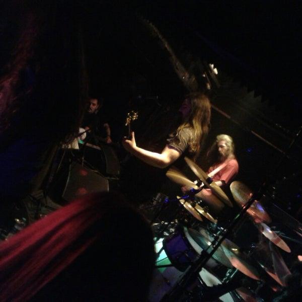 4/13/2013 tarihinde Deniz A.ziyaretçi tarafından Dorock Heavy Metal Club'de çekilen fotoğraf