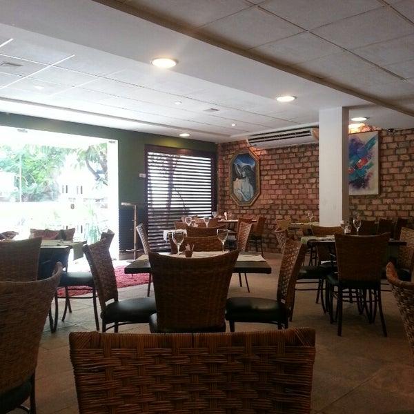 5/29/2014 tarihinde Lígia L.ziyaretçi tarafından Limone Restaurante e Café'de çekilen fotoğraf