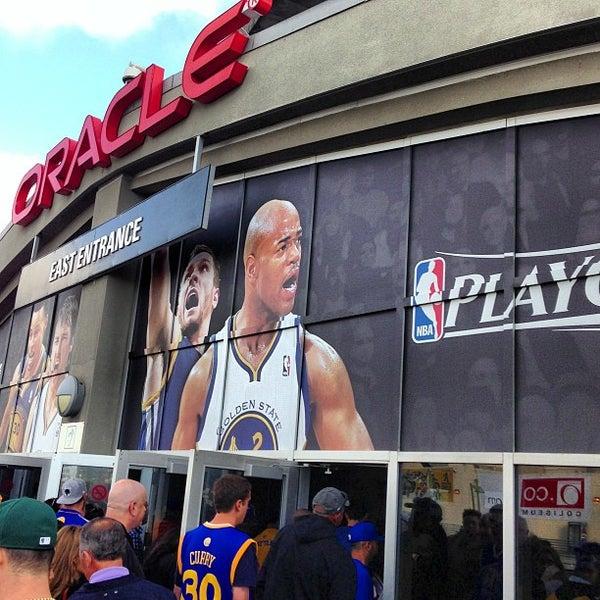 รูปภาพถ่ายที่ Oakland Arena โดย Melvin B. เมื่อ 5/11/2013