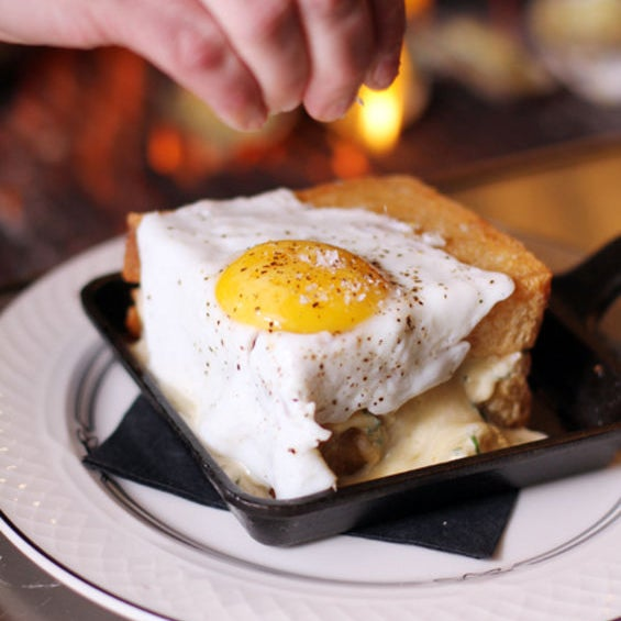 This rich sandwich is a definite knife-and-forker! The fun starts with two buttery-edged pieces of Texas Toast, loaded up with a warm cheesy lobster salad. Topped with an optional fried egg.