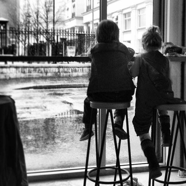 Foto tomada en Established Coffee por Karys W. el 12/16/2013