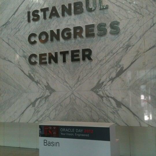 Das Foto wurde bei İstanbul Kongre Merkezi von Gokhan am 11/15/2012 aufgenommen