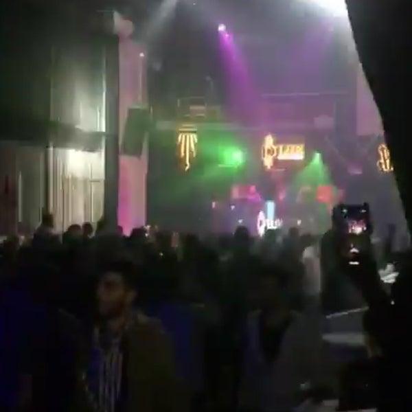 4/20/2019にHakan B.がD'lux Club Ankaraで撮った写真