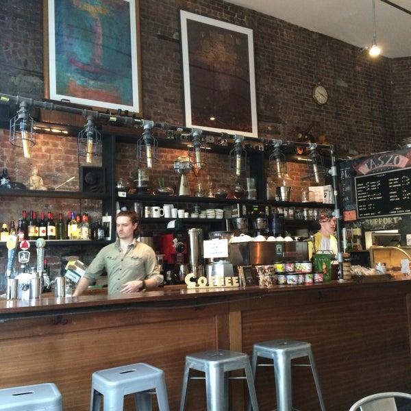 5/16/2017にJessica L.がTaszo Espresso Barで撮った写真