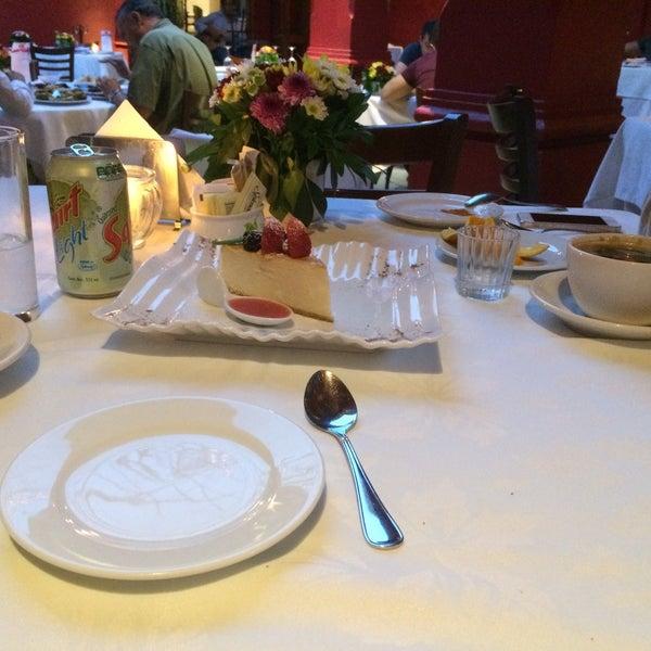 Photo prise au Catedral Restaurante & Bar par Ivonne G. le5/8/2015
