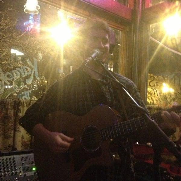 3/23/2013 tarihinde Katie K.ziyaretçi tarafından Four Farthings Tavern & Grill'de çekilen fotoğraf