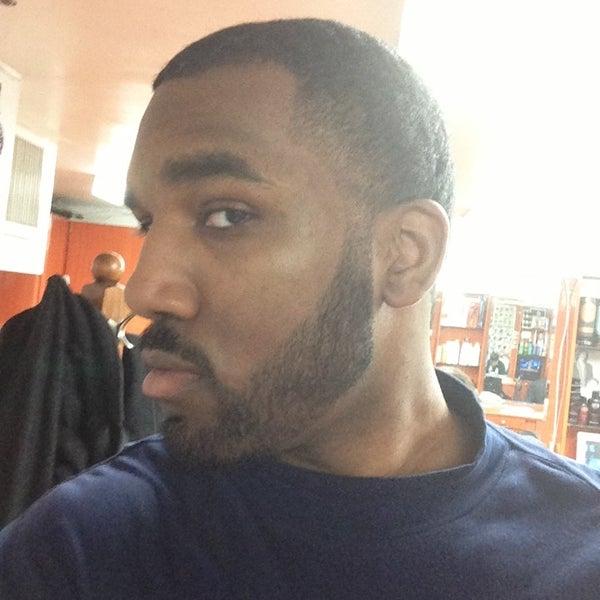 3/25/2013에 Tony P.님이 David's Hairstyling에서 찍은 사진