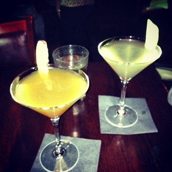 12/8/2012 tarihinde Greg B.ziyaretçi tarafından West Side Lounge'de çekilen fotoğraf