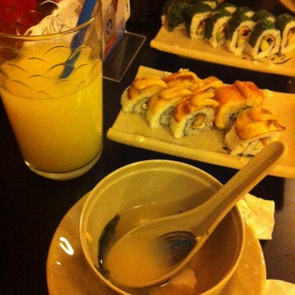 Foto diambil di Sushi Washoku oleh Yun C. pada 10/11/2013