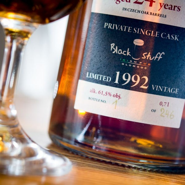 Our private single cask GOLD COCK VINTAGE 1992 was voted one of the best european whisky (WHISKY BIBLE 2017)!