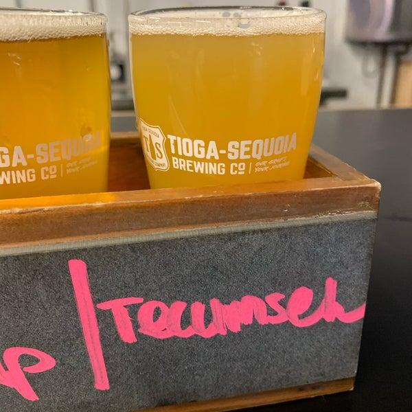 3/5/2020 tarihinde Jeffrey K.ziyaretçi tarafından Tioga-Sequoia Brewing Company'de çekilen fotoğraf