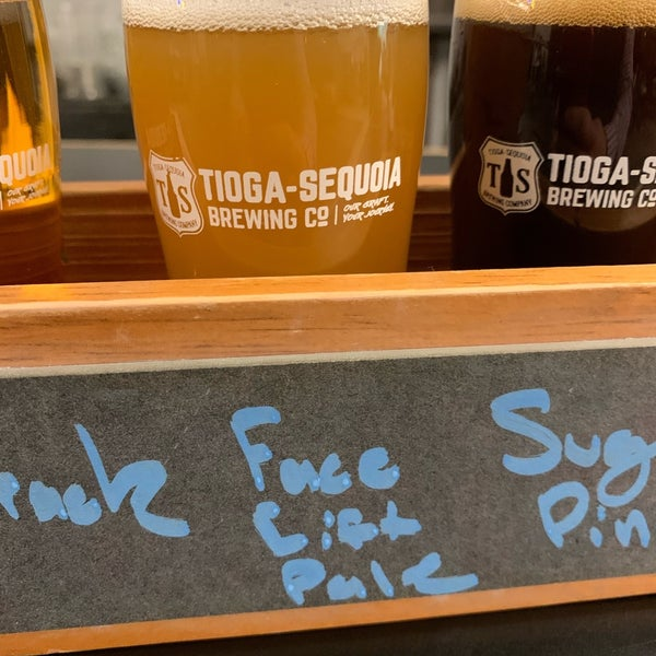 10/30/2019 tarihinde Jeffrey K.ziyaretçi tarafından Tioga-Sequoia Brewing Company'de çekilen fotoğraf