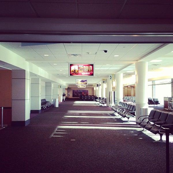 1/4/2013にBenson C.がGulfport-Biloxi International Airport (GPT)で撮った写真