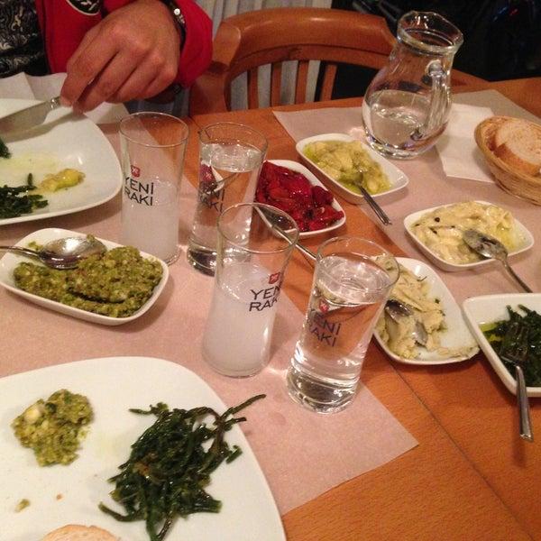 Foto tomada en Sıdıka Meze Restoranı por Erol G. el 4/27/2013