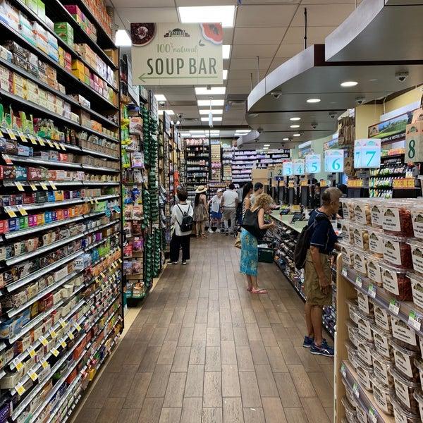 Foto tirada no(a) Westerly Natural Market por Erdem S. em 7/14/2019