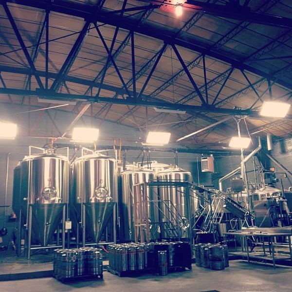 Foto diambil di Good People Brewing Company oleh Landon H. pada 10/3/2012
