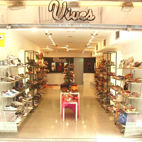831cfef6 Vives Shoes Granollers - C/ Santa Esperança, 5