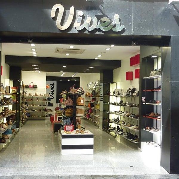 79ad1ecf Vives Shoes Badalona - Centre - 1 visitante