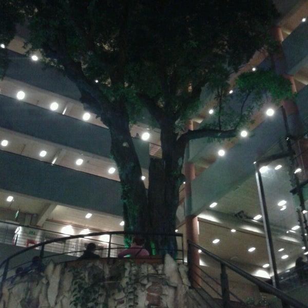 Снимок сделан в Universidad Autónoma de Asunción пользователем Jorge V. 6/3/2013