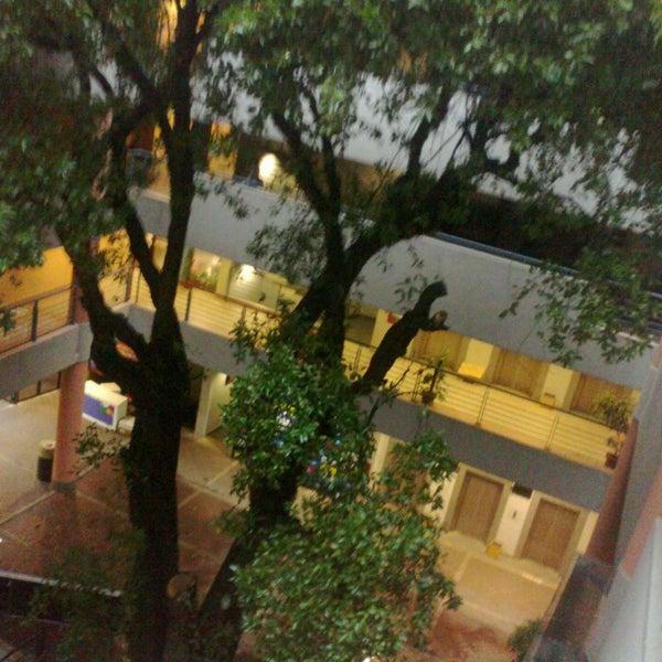 Снимок сделан в Universidad Autónoma de Asunción пользователем kevin V. 6/12/2013