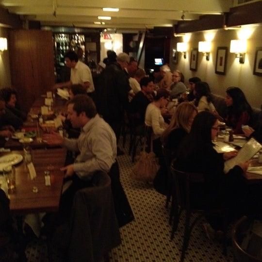 Foto tirada no(a) La Bonne Soupe por Beth R. em 11/16/2012