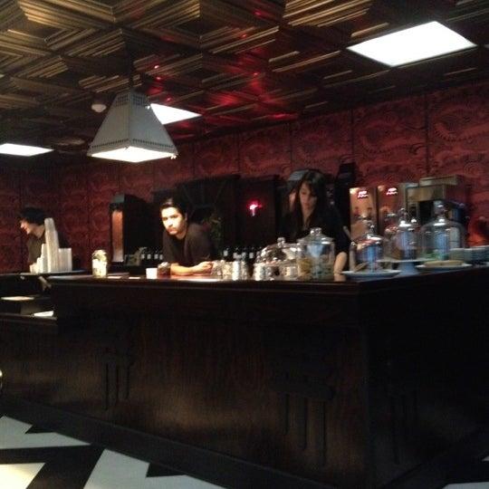 Foto scattata a Madame Zuzu's Tea House da Beth R. il 10/6/2012