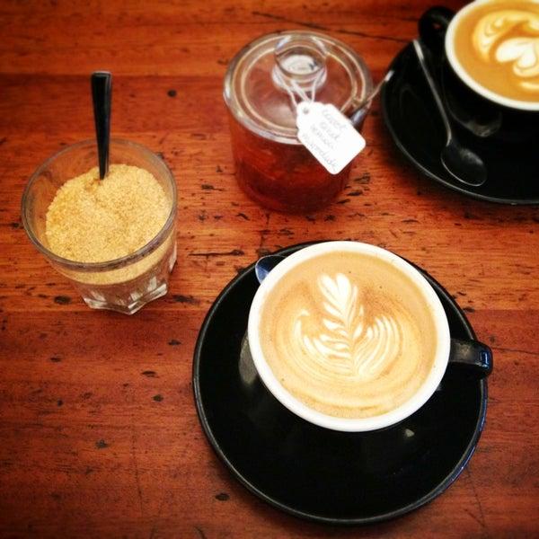 Photo prise au Kaffeine par Matthew P. le1/12/2013