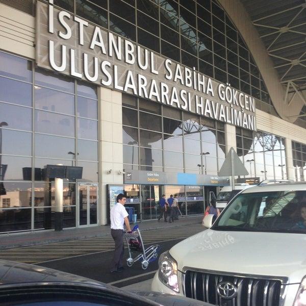 Foto tirada no(a) Aeroporto Internacional de Istanbul / Sabiha Gökçen (SAW) por Cahide D. em 6/25/2013