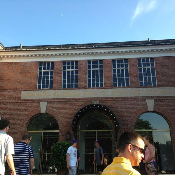 7/15/2013 tarihinde Ali P.ziyaretçi tarafından National Baseball Hall of Fame and Museum'de çekilen fotoğraf
