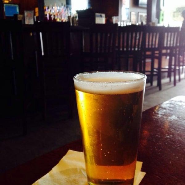 Das Foto wurde bei Ashburn Pub von Brian D. am 4/25/2014 aufgenommen