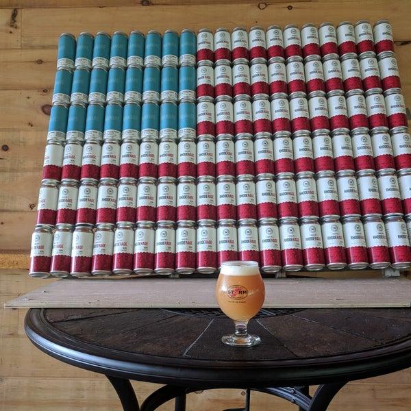 Das Foto wurde bei Newport Storm Brewery von Todd G. am 7/5/2018 aufgenommen