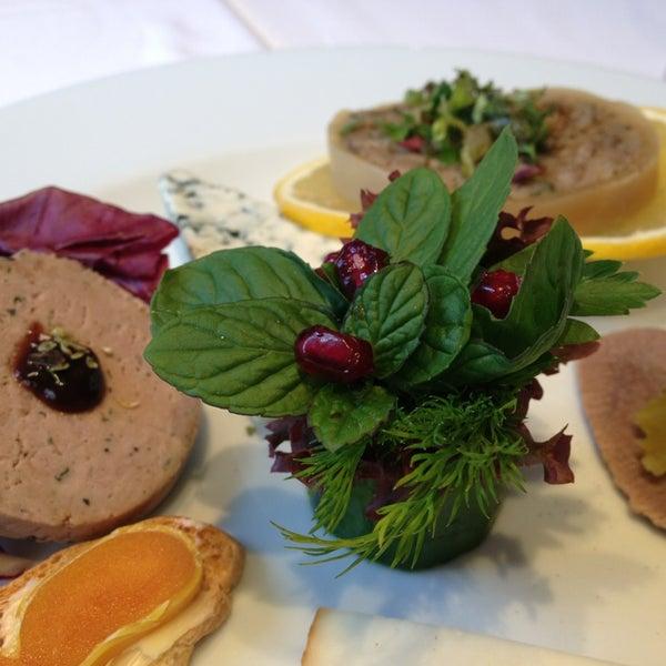 Foto tomada en Asitane Restaurant por Zeynep Y. el 12/24/2012