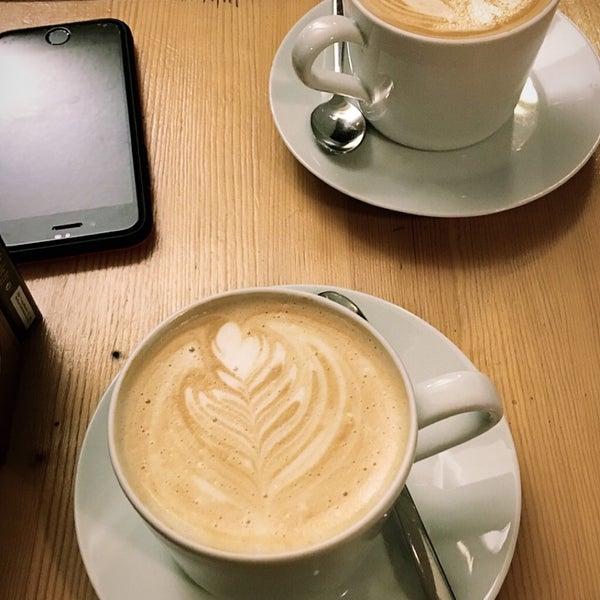 Foto tirada no(a) Cotta Coffee por Damla K. em 12/29/2018
