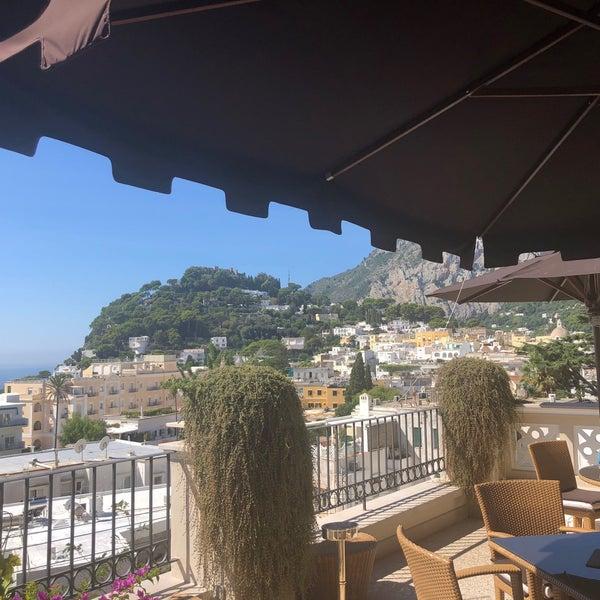 Снимок сделан в Capri Tiberio Palace пользователем Mallory M. 9/11/2018