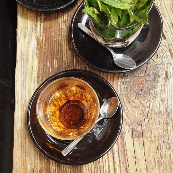 6/21/2013 tarihinde Jacquie T.ziyaretçi tarafından Kaffeine'de çekilen fotoğraf