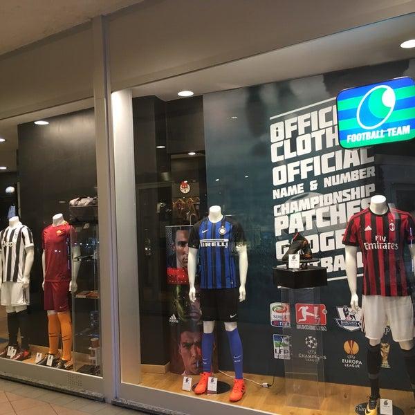 Football Team Verona Sporting Goods Shop