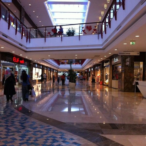 7/19/2013 tarihinde Ergün Ü.ziyaretçi tarafından Atlantis Alışveriş ve Eğlence Merkezi'de çekilen fotoğraf