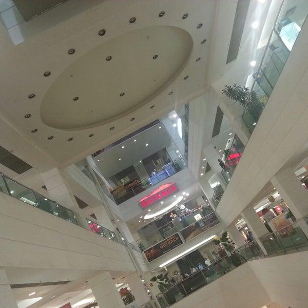 4/16/2013 tarihinde Nathalia M.ziyaretçi tarafından Shopping Tijuca'de çekilen fotoğraf
