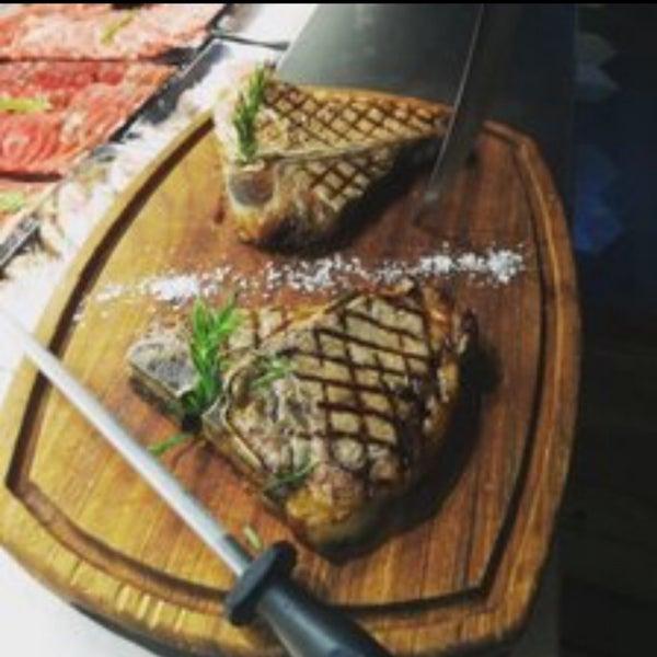 2/18/2019 tarihinde Ercan G.ziyaretçi tarafından Bonfilet Steak House & Kasap'de çekilen fotoğraf