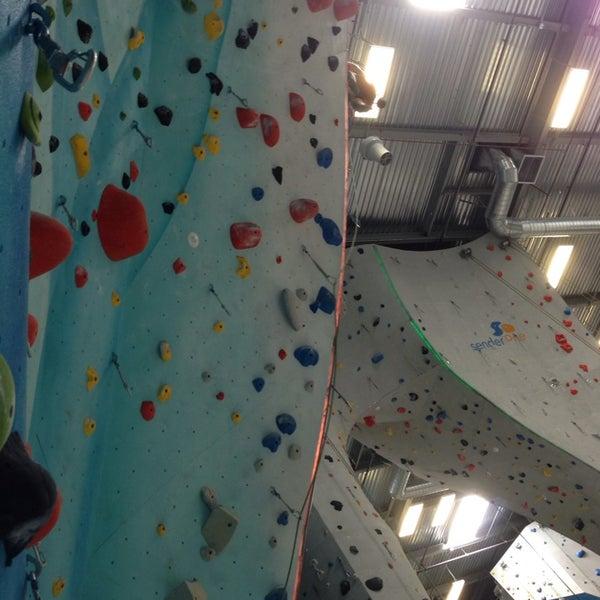 5/25/2014にNicki L.がSender One Climbing, Yoga and Fitnessで撮った写真