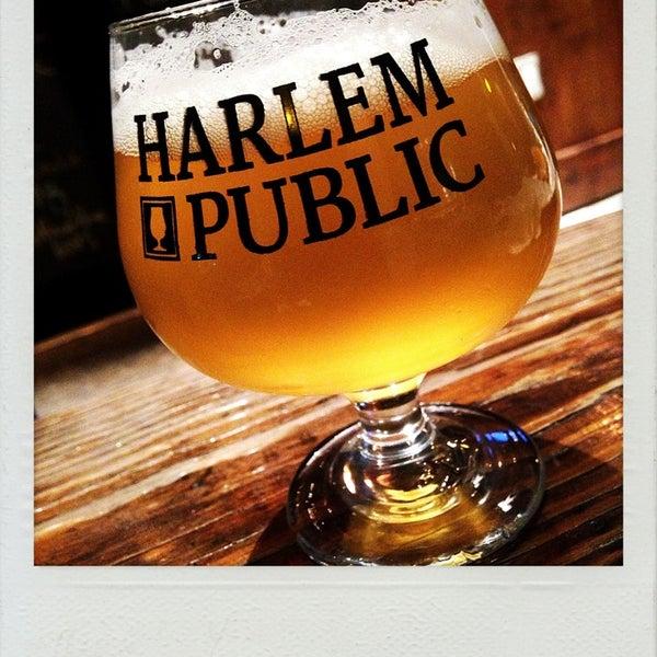 รูปภาพถ่ายที่ Harlem Public โดย Y. H. เมื่อ 8/15/2013