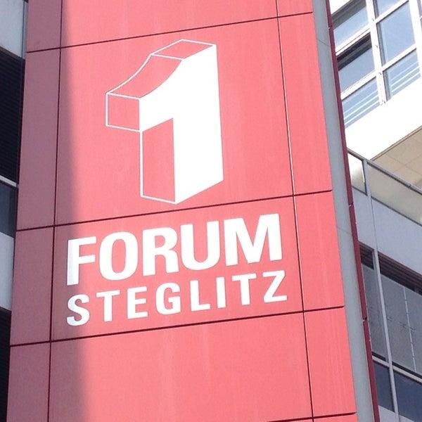 Foto tirada no(a) Forum Steglitz por Thorsten D. em 4/2/2014
