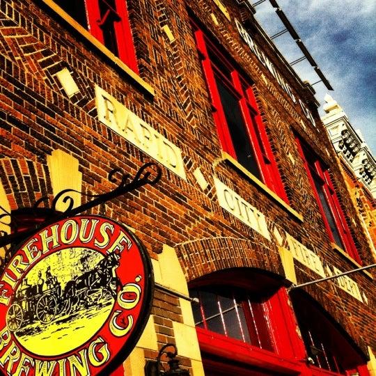 รูปภาพถ่ายที่ Firehouse Brewing Company โดย Rags เมื่อ 10/19/2012