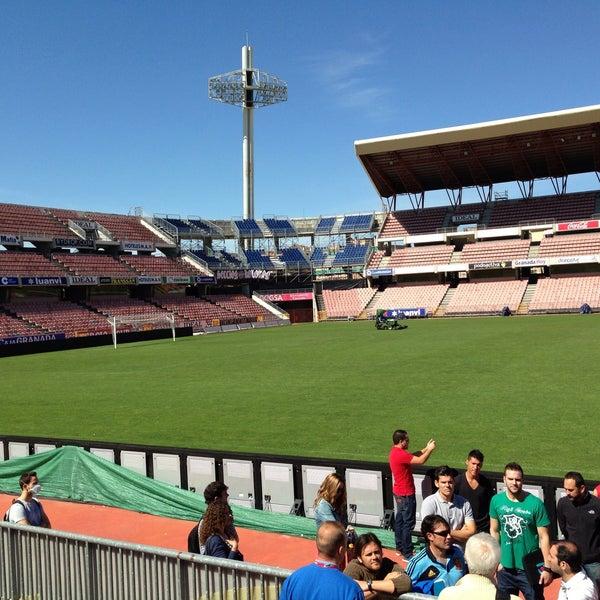Fotos En Estadio Nuevo Los Carmenes Estadio De Futbol En Granada