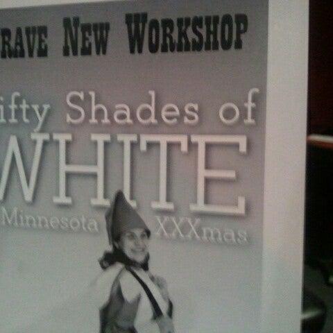 1/20/2013에 Luann S.님이 Brave New Workshop Comedy Theatre에서 찍은 사진