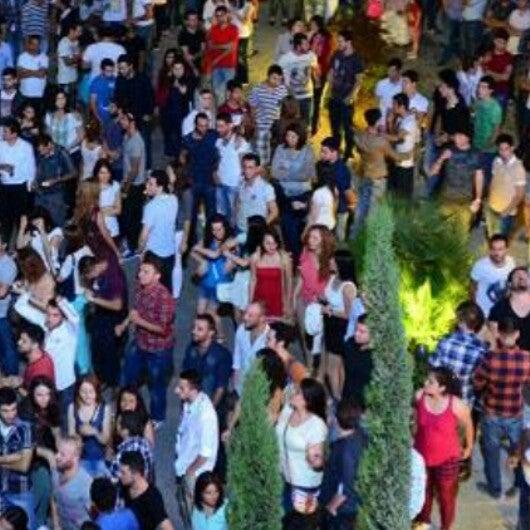 Das Foto wurde bei Trio Meydan von Sema Ş. am 5/29/2013 aufgenommen