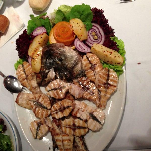 5/14/2013에 Ceren C.님이 Cunda Balık Restaurant에서 찍은 사진